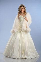 ac39169b8053 Моделей свадебных платьев много, в том числе есть свадебные платья для  будущих мам и платья больших размеров. Также купить или взять в прокат  можно ...